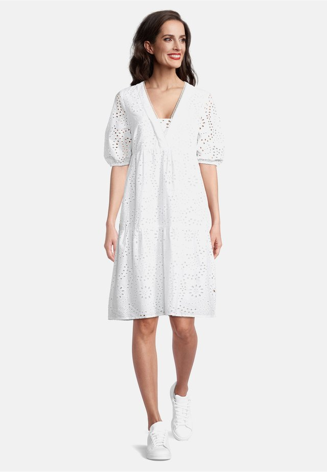 MIT MUSTER - Day dress - bright white