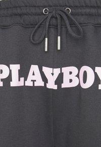 Mennace - PLAYBOY UNISEX BIG BUNNY - Tracksuit bottoms - charcoal - 2
