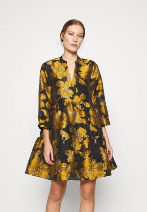 MAISON DRESS - Kjole - orange