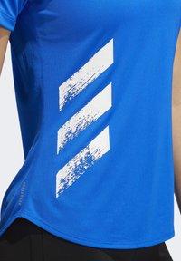 adidas Performance - RUN IT 3-STRIPES FAST T-SHIRT - Print T-shirt - blue - 7