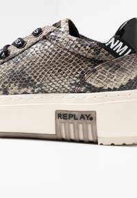 Replay - FINAL - Trainers - brown - 2