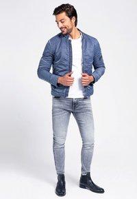 Guess - Light jacket - blau - 1