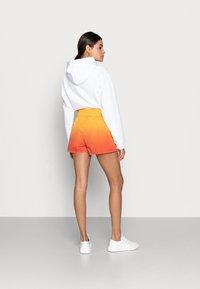 Calvin Klein Jeans - Shorts - yellow - 2