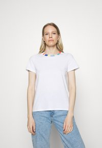 edc by Esprit - BLOCK - Print T-shirt - white - 0