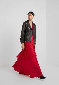 Pinko - ZUCCHERINO ABITO MAROCAINE - Společenské šaty - rosso persiano - 1