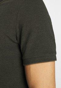 Lyle & Scott - OXFORD  - Polo shirt - trek green/ jet black - 5