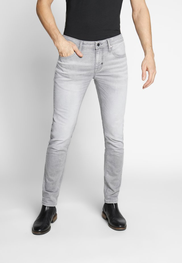 TAPERED OZZY  - Slim fit -farkut - steel grey