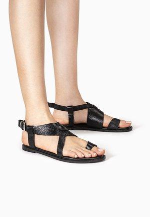 ZEHENSTEG - T-bar sandals - mntrl black nbl