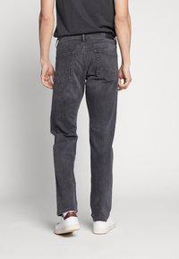 Esprit - Straight leg jeans - black medium wash - 2