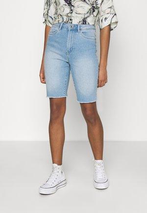 VMLOA FAITH MIX - Denim shorts - light blue denim