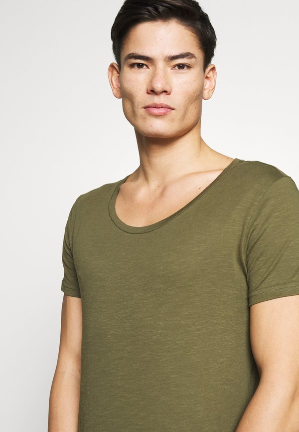 Pier One T-shirt basic - khaki Odzież Męska KIQX