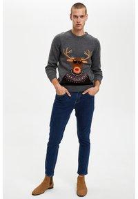 DeFacto - CHRISTMAS - Stickad tröja - grey - 1