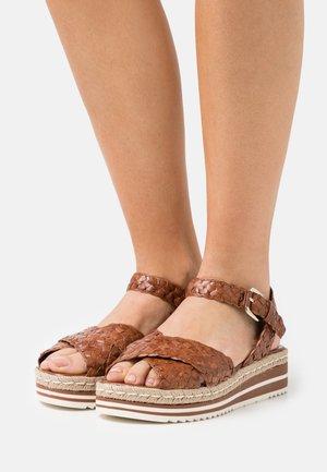 Platform sandals - toffe