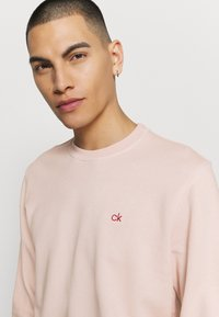 Calvin Klein - DYE CHESTLOGO - Mikina - pink - 3