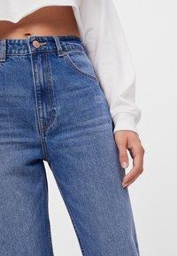 Bershka - MIT UMSCHLAG  - Jeans baggy - blue - 3