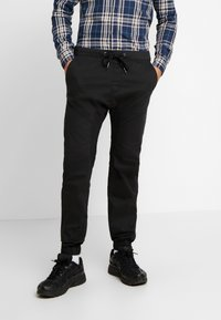 Cotton On - DRAKE CUFFED PANT - Stoffhose - true black - 0