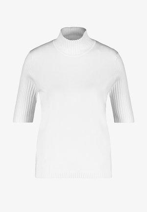 Pullover - sahne