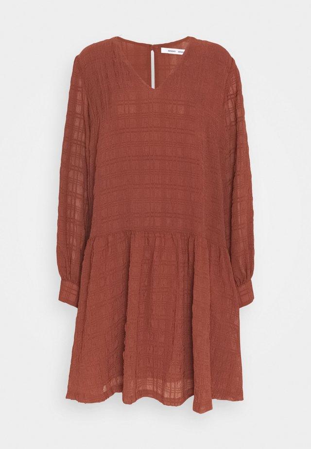 MILLO DRESS - Day dress - cinnamon
