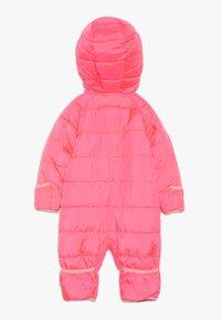 Nike Sportswear - CIRE SNOWSUIT BABY - Lyžařská kombinéza - racer pink - 1
