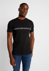 Armani Exchange - T-shirt con stampa - black - 0