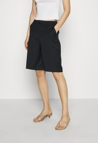 Who What Wear - THE BERMUDA - Shortsit - black - 0