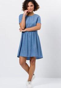 zero - Denim dress - mid blue soft wash - 1