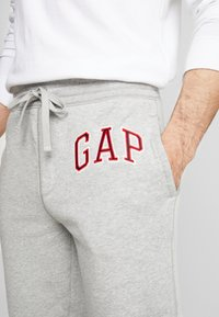 Pier One - ARCH JOGGER - Tracksuit bottoms - grey heather - 4