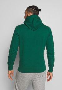 Champion - ROCHESTER HOODED - Bluza z kapturem - dark green - 2