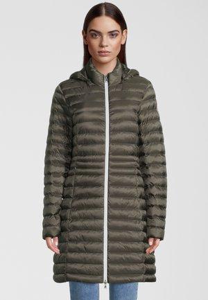 OSLO - Winter coat - night green/spicy orange