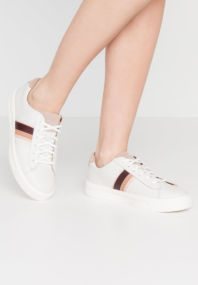 MAUI BAND - Trainers - white/blush