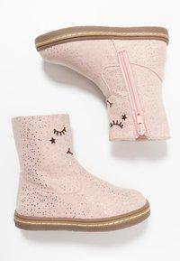 Friboo - Korte laarzen - light pink - 0