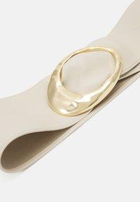 Pieces - PCNUKINO WAIST BELT - Pasek - birch/gold-coloured - 3