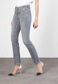 MAC Jeans - ANGELA - Slim fit jeans - grey - 0