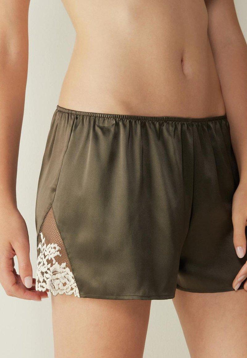 Intimissimi - PRETTY FLOWERS - Pyjama bottoms - grün agave green/ivory