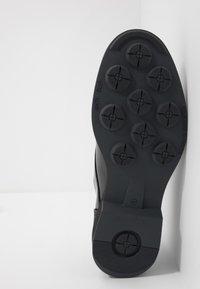 Society - CHARLIE 4 EYE DERBY - Šněrovací boty - black polido - 4