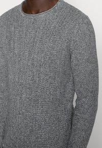 Only & Sons - ONSSATO  - Stickad tröja - light grey melange - 4