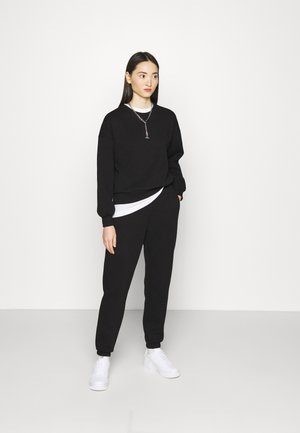 BASIC SET - Tracksuit - black