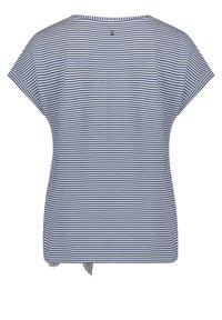 Betty & Co - Print T-shirt - blau/weiß - 4