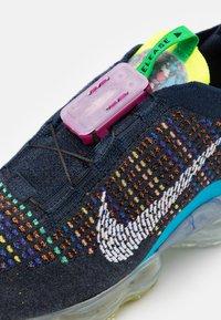 Nike Sportswear - AIR VAPORMAX 2020 FK UNISEX - Sneakers - deep royal blue/white/multicolor - 5