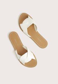Bershka - Pantofle - white - 2
