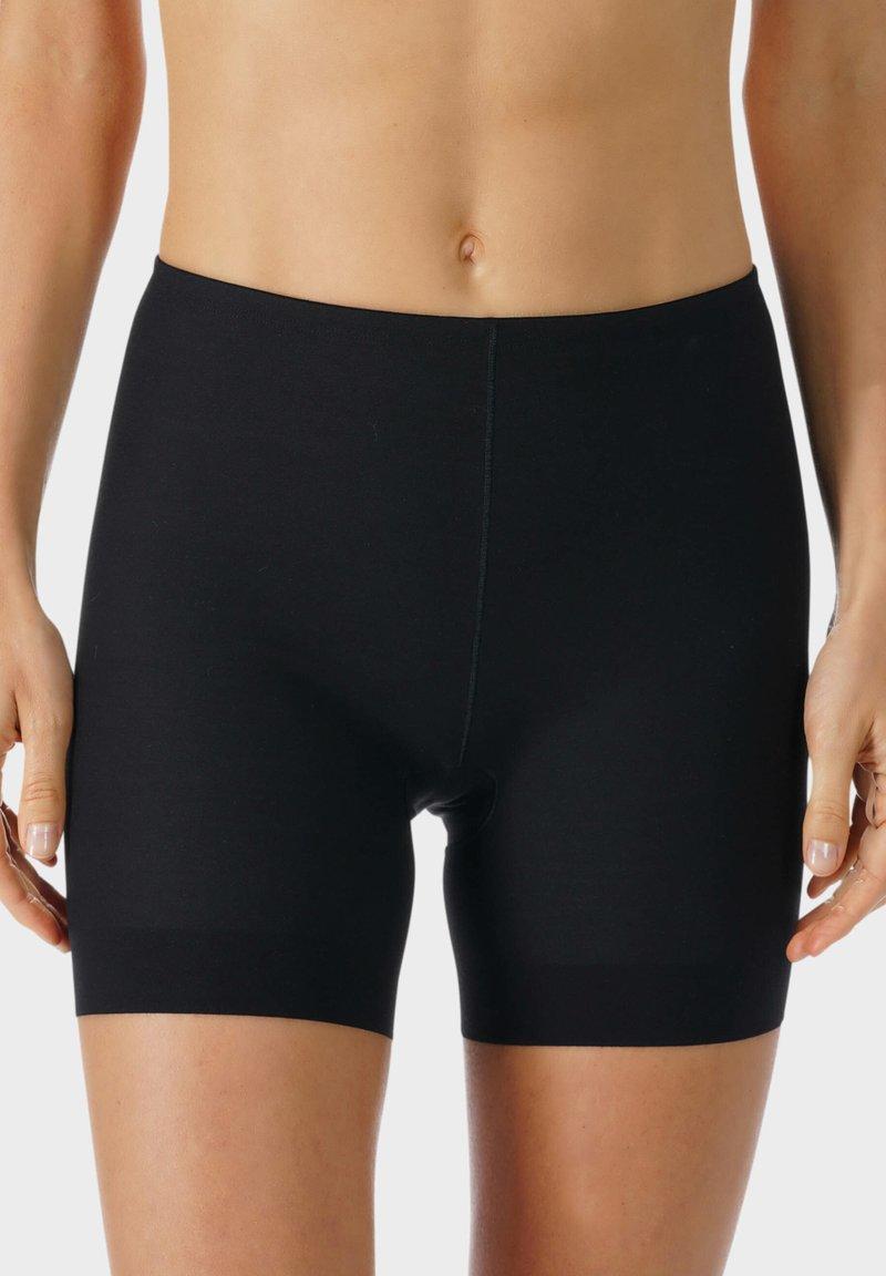 mey - SHORTS SERIE NOVA - Pants - schwarz