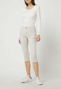 BRAX - Denim shorts - sand - 1