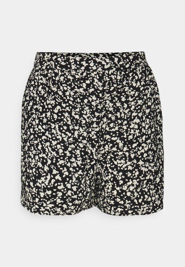 SLFUMA PETITE - Shorts - black
