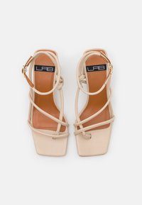 LAB - Sandals - seta/beach - 4
