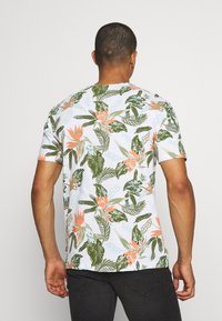 Only & Sons - ONSKLOP LIFE TEE - T-shirt med print - white - 2