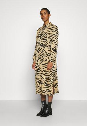 ARIA - Shirt dress - camel multi
