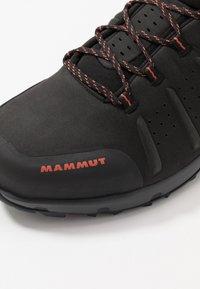 Mammut - CONVEY MID GTX MEN - Obuwie hikingowe - black/pepper - 5