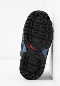 adidas Performance - CW HOLTANNA SNOW  - Zimní obuv - core black/collegiate navy/tech ink - 5