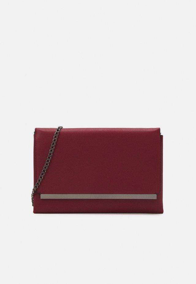 Pochette - dark red