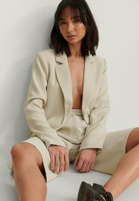 NA-KD - Short coat - beige - 3